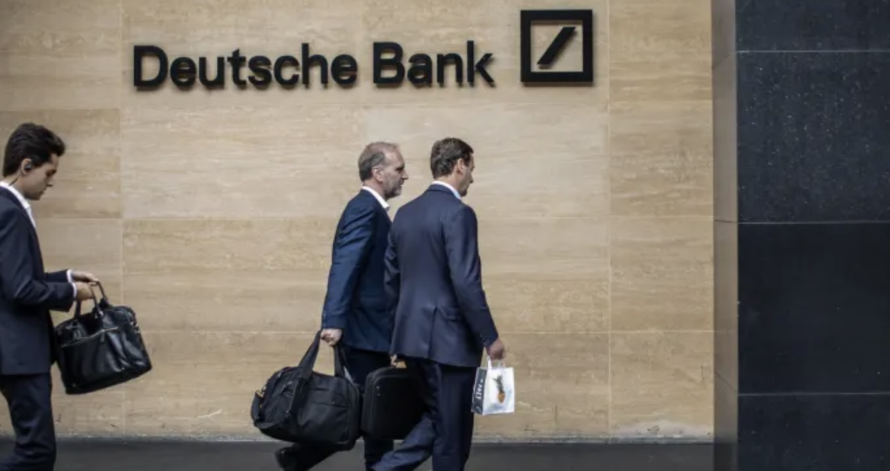 Deutsche Bank (NYSE:DB) Earns Sell Rating from Bank of America