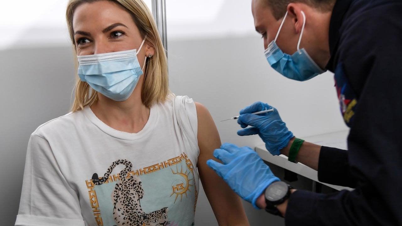 """Mysteriöse Agentur bietet Französischen """"Influencer"""" Geld damit diese den Pfizer-Impfstoff schlecht reden"""