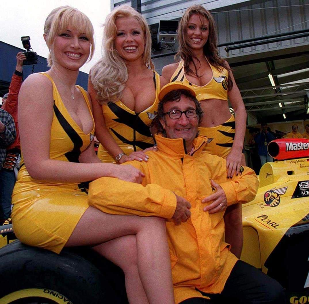 F1 Grid Girl Ban Infuriates Dutch Mp Only An Idiot Sees Beautiful Women As Problematic Zero Hedge