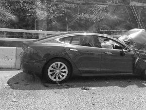 Dashcam Shows Dramatic Tesla Model S Crash | Zero Hedge