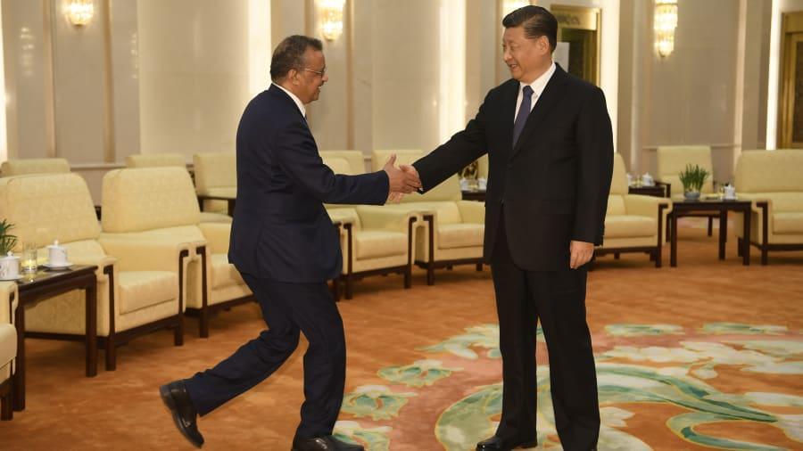 Šéf WHO je uctivý služobnik Činy