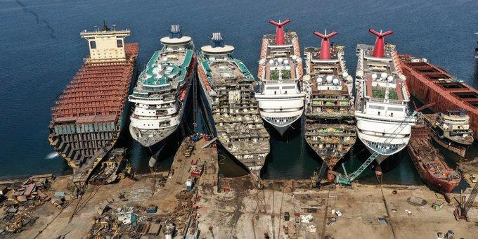 Main news thread - conflicts, terrorism, crisis from around the globe Tur%20cruise%20ship%20scrapyard