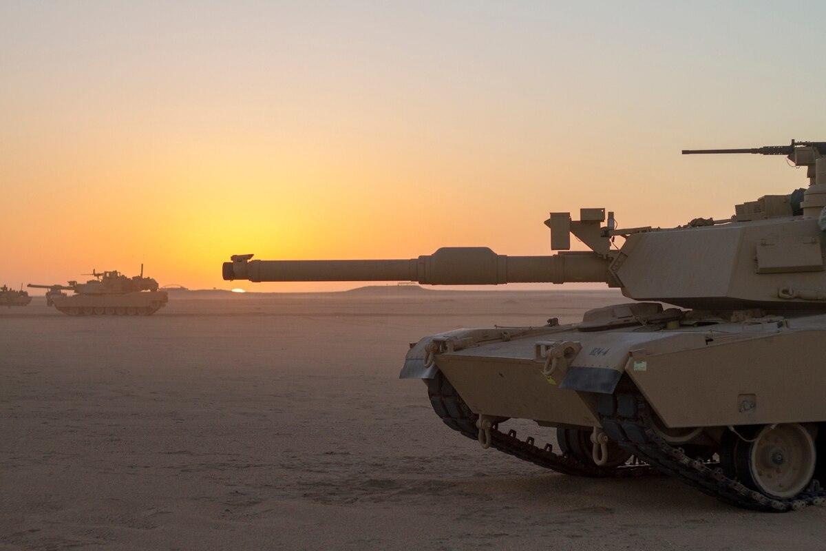 HO USA   MILITARY US ARMY TRAIN SET US ARMY 4 BOX CARS /& TANK FLAT CAR BBF-201S
